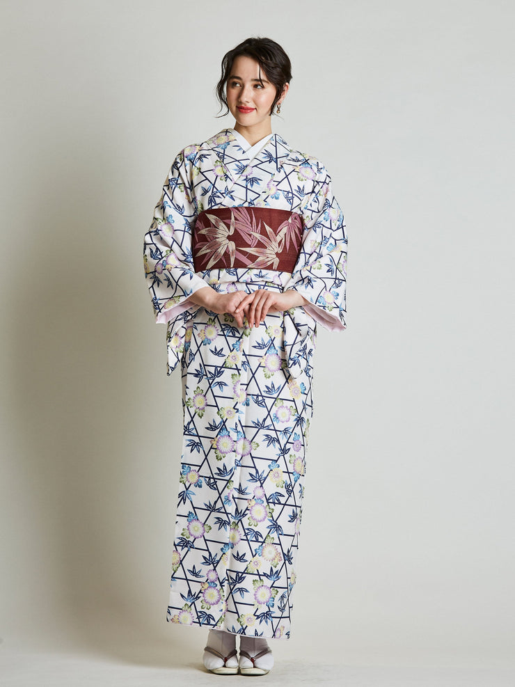 White Kimono with Reversible Bamboo Red Obi Belt front view