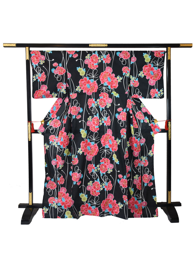 Black Shiji Floral Yukata on Stand