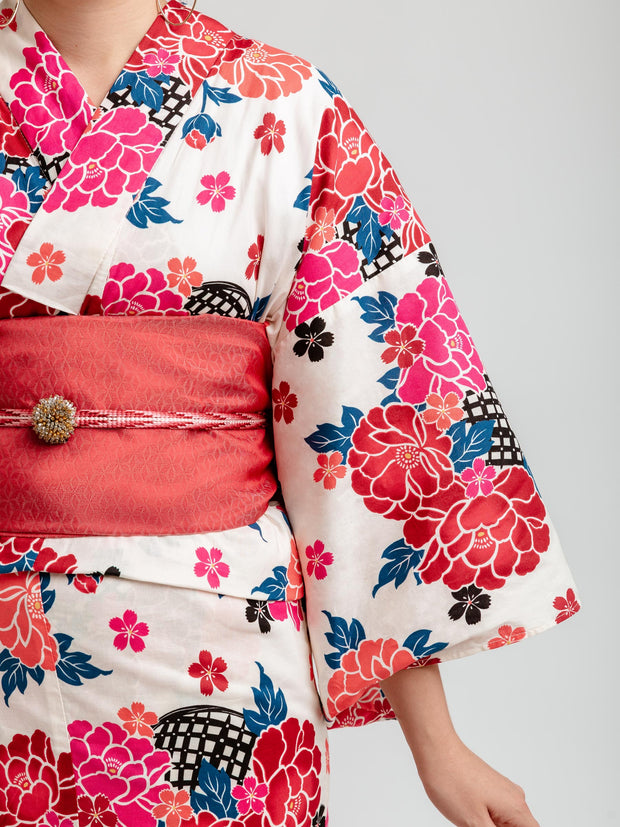 Red Hanakago Yukata Close-Up