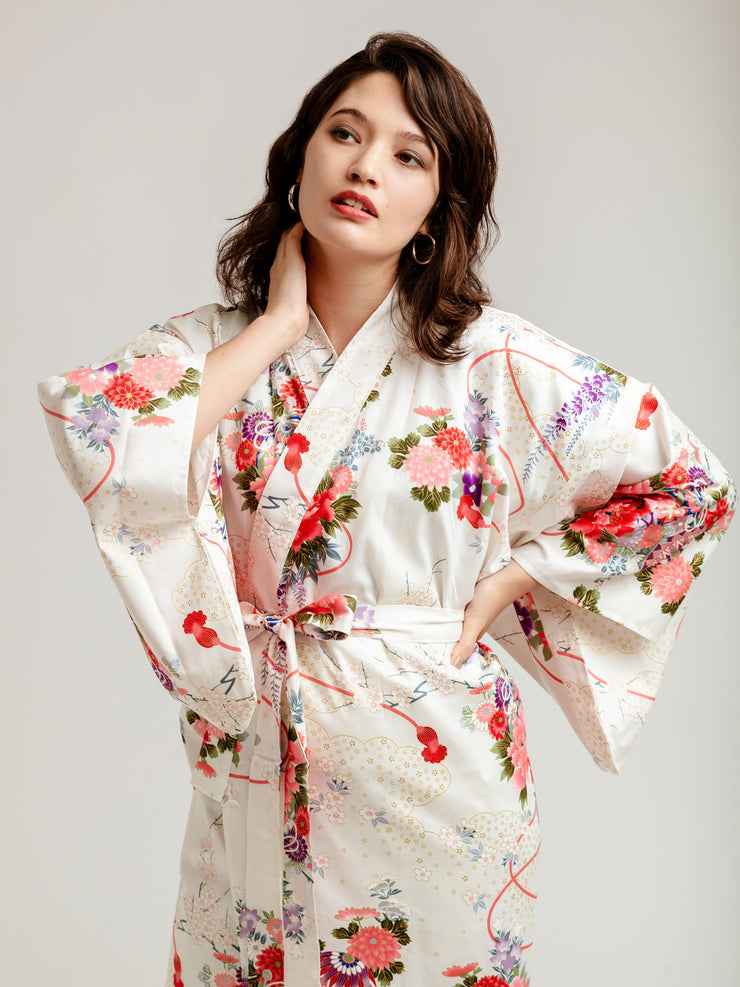 White Temari Long Kimono Robe Close-Up