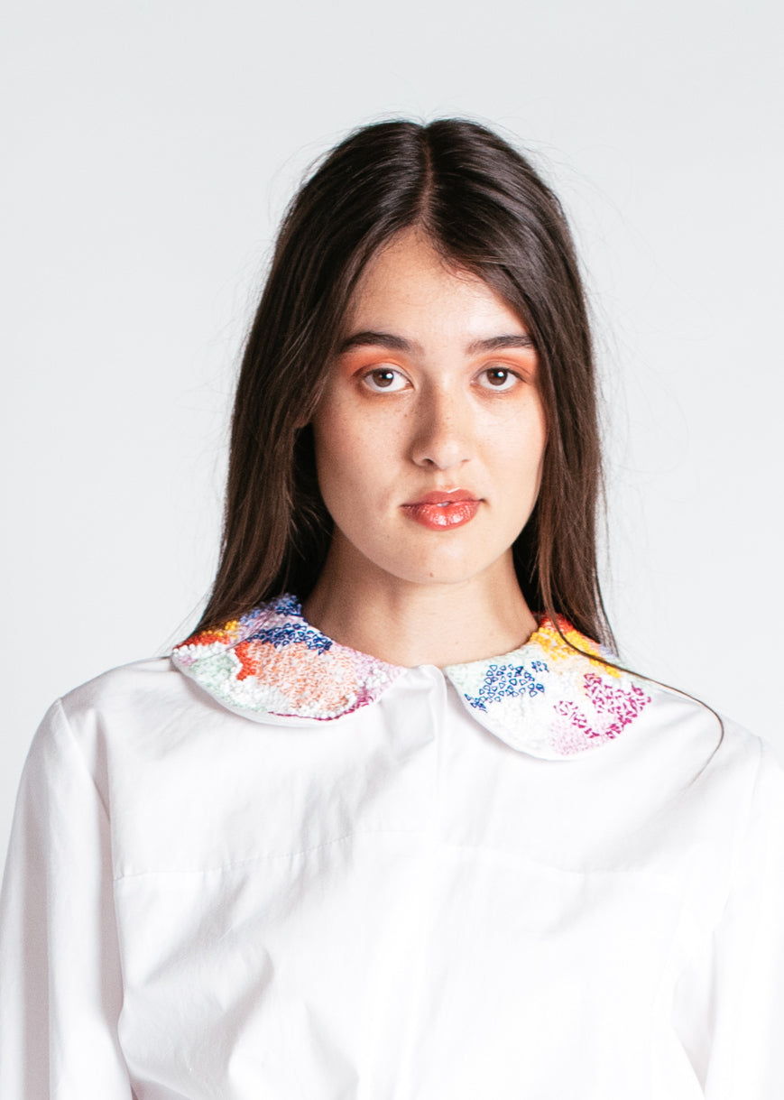 Meduoso Babydoll Blouse with Hand-Embroidered Collar in White