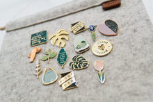 Load image into Gallery viewer, Hemleva Enamel Pins