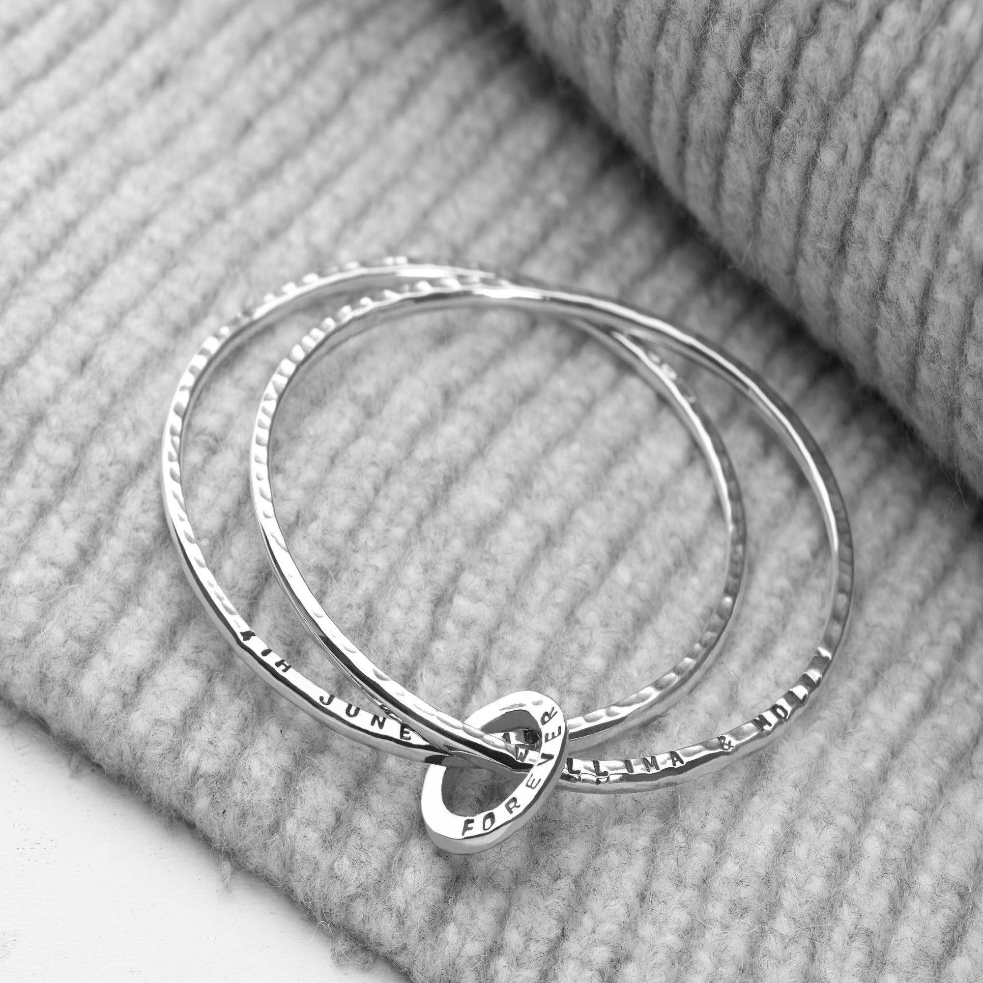 Personalised Hammered Silver Bangle (BGL6721)