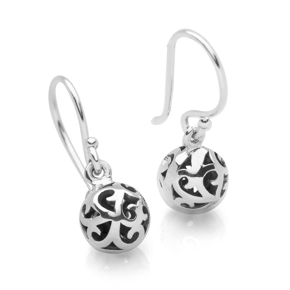 925 sterling silver filigree cut-out design ball earrings. (E44631)
