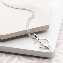 925 sterling silver cat in moon pendant (P27991)