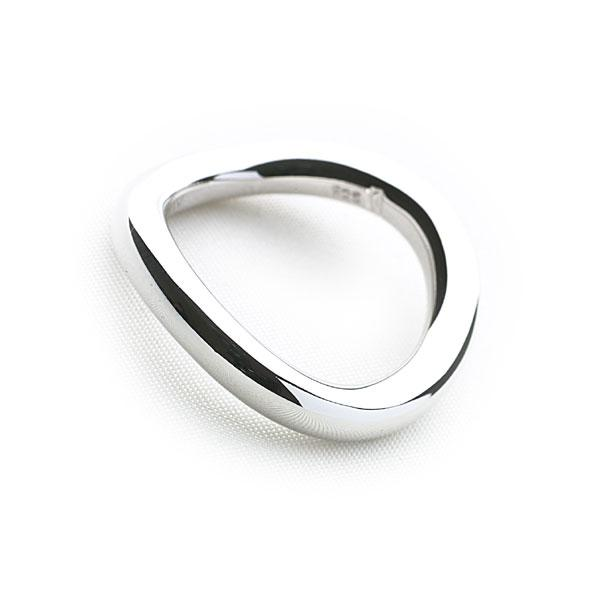 Polished silver twisted ring