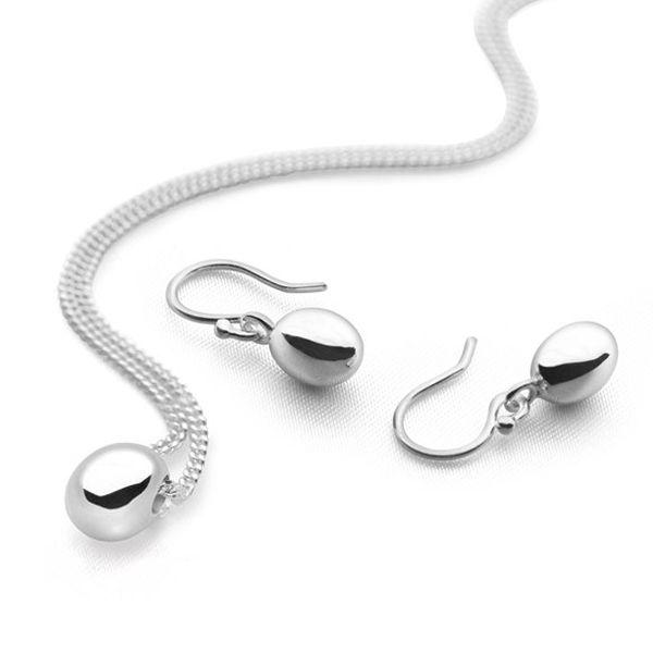 Pearls of solid silver pendant and hook earrings set