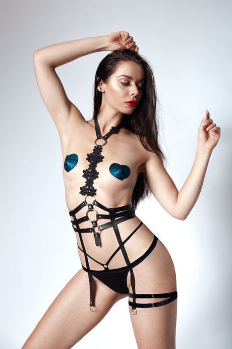 Der Donner Leather Harness - Amoreze