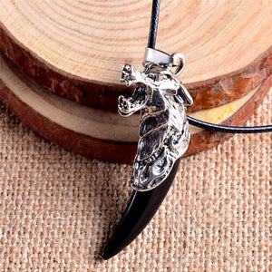 Men Antique Wolf Fang Tooth Pendant Necklace Vintage Wolf Tooth Dragon Alloy Pendant Necklace Fashion Choker Jewelry Gift