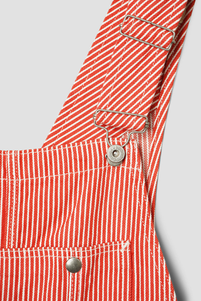 Earls Bib (Red Hickory)
