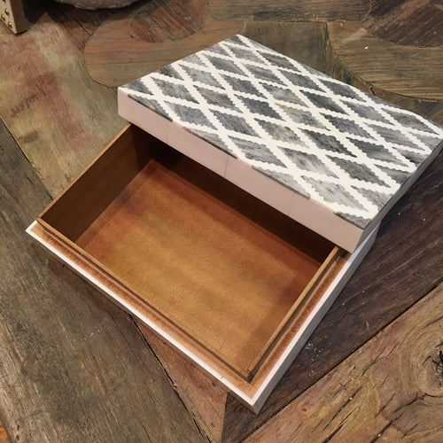 Box, White and Grey Inlay