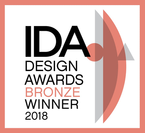 International Design Awards Winner Logo