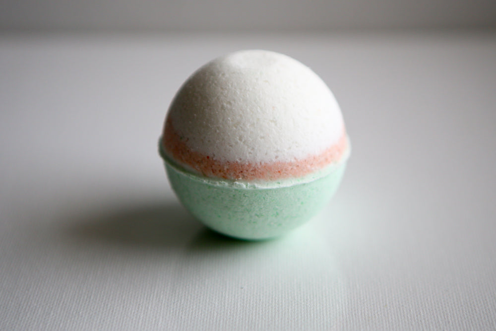 Peppermint and Eucalyptus Bath Bombs (Medium)