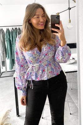 Evelyn Wrap Top - Lilla Blomsterprint
