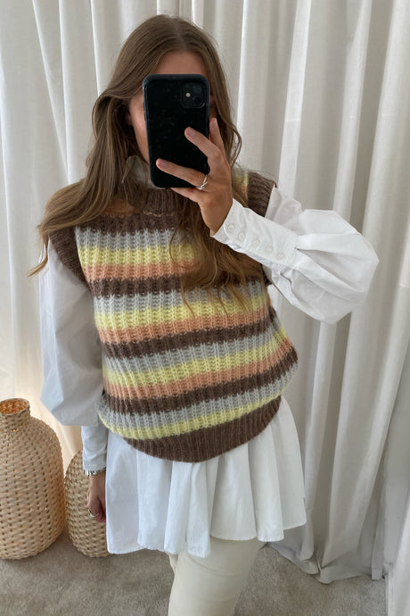 LYA-VE Strik Vest - Brown/Stripe