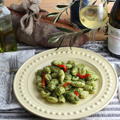 Potato Gnocchi with Pesto Sauce and Roasted Red Peppers
