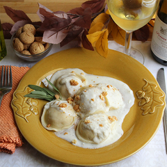 Pumpkin Ravioli with Shallot Cream Sauce with Amaretti Cookies