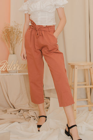 SIERRA Highwaisted Cropped Pants