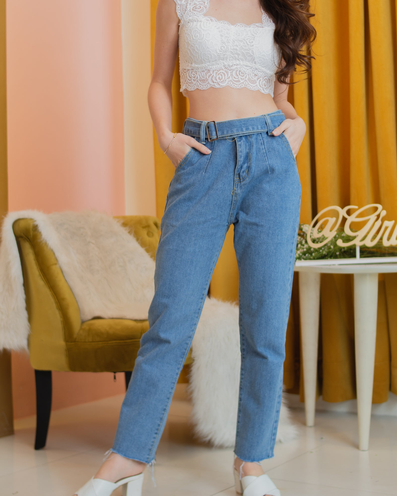 TEYA Belted Jeans - Medium Wash