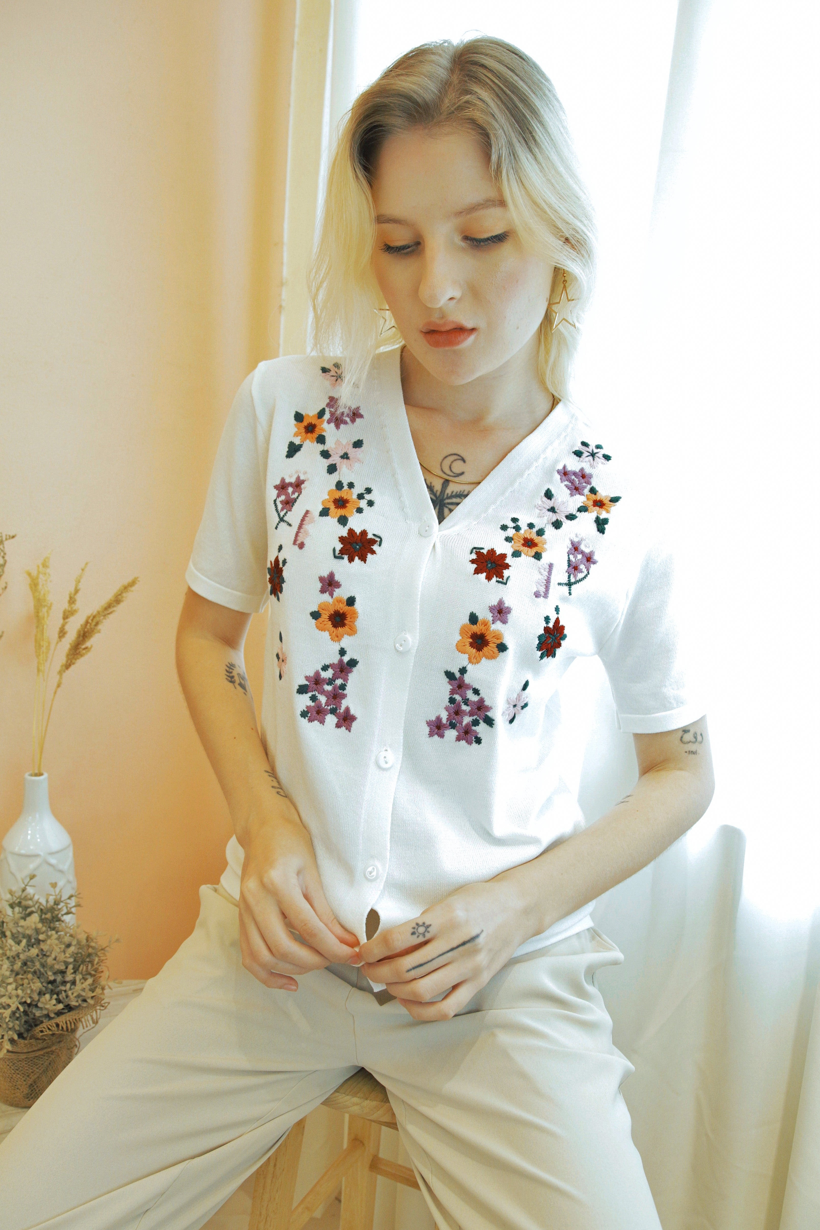 ASHLYNN Embroidered Floral Short Sleeve Cardigan Top