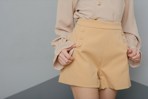 VALINI Buttoned Shorts