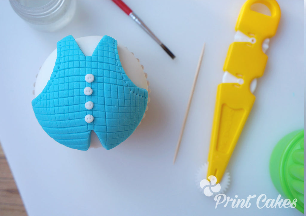 Waist coat cupcake tutorial for a Father's Day cupcake