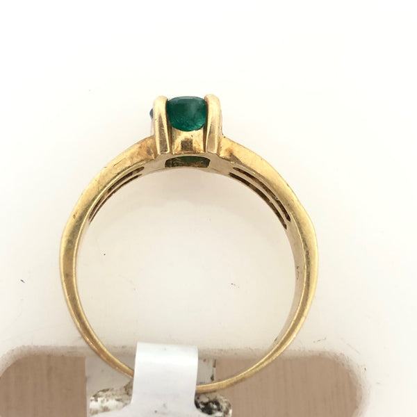 14K Yellow Gold Emerald and Two Row Diamond Ring Size 7 1/2 US