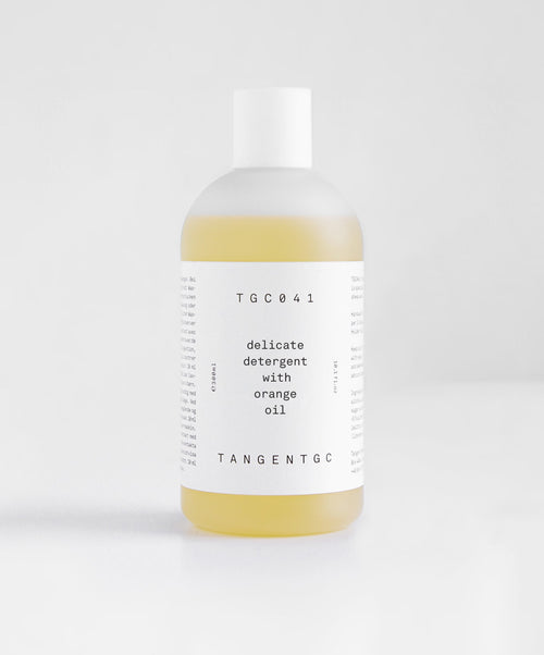 Delicate Detergent w Orange Oil for Natural Fibers/Skin 300ml