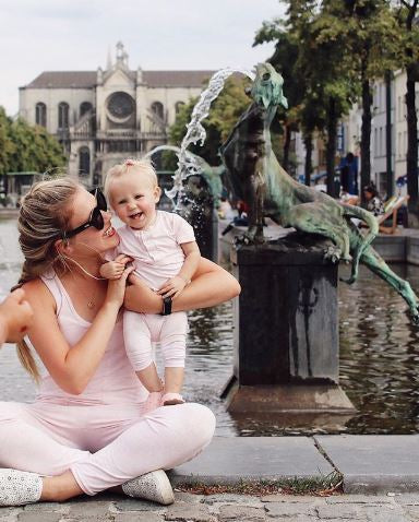 Matching mommy and me outfits, travel style, cute vacation outfits for babies and moms