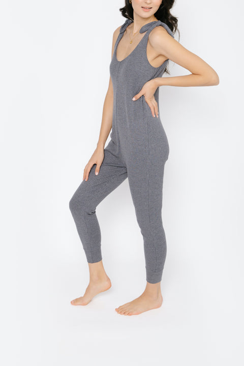 THE KNOT YOUR AVERAGE ROMPER IN CHARMING CHARCOAL