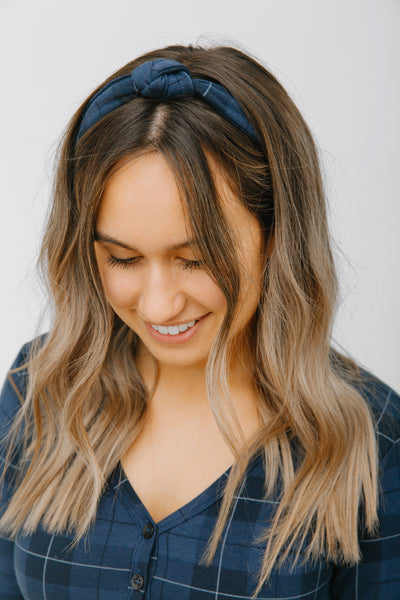 THE S+T PRESENT KNOTTED HEADBAND IN HOLIDAY TARTAN