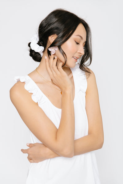 THE S+T x CHELSEA KING SCRUNCHIE IN BRIDAL WHITE