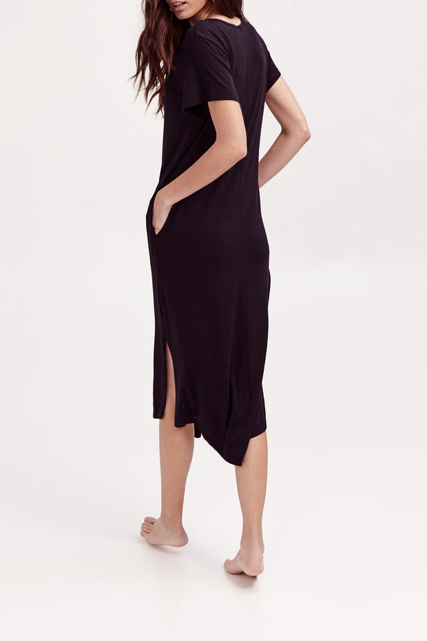THE SUNDAY DRESS IN MIDNIGHT BLACK
