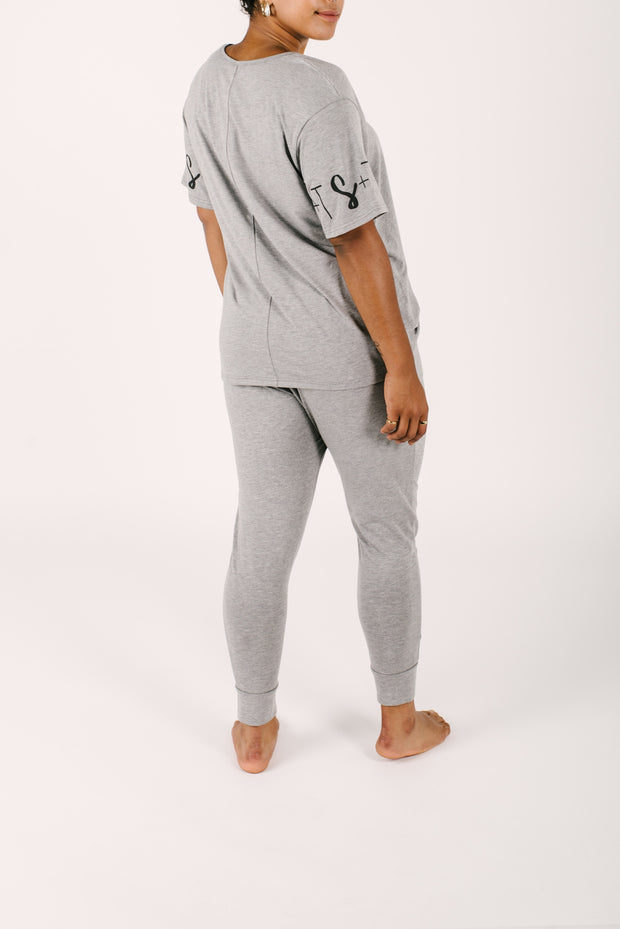 THE LILY RELAXED T IN SLAY GREY