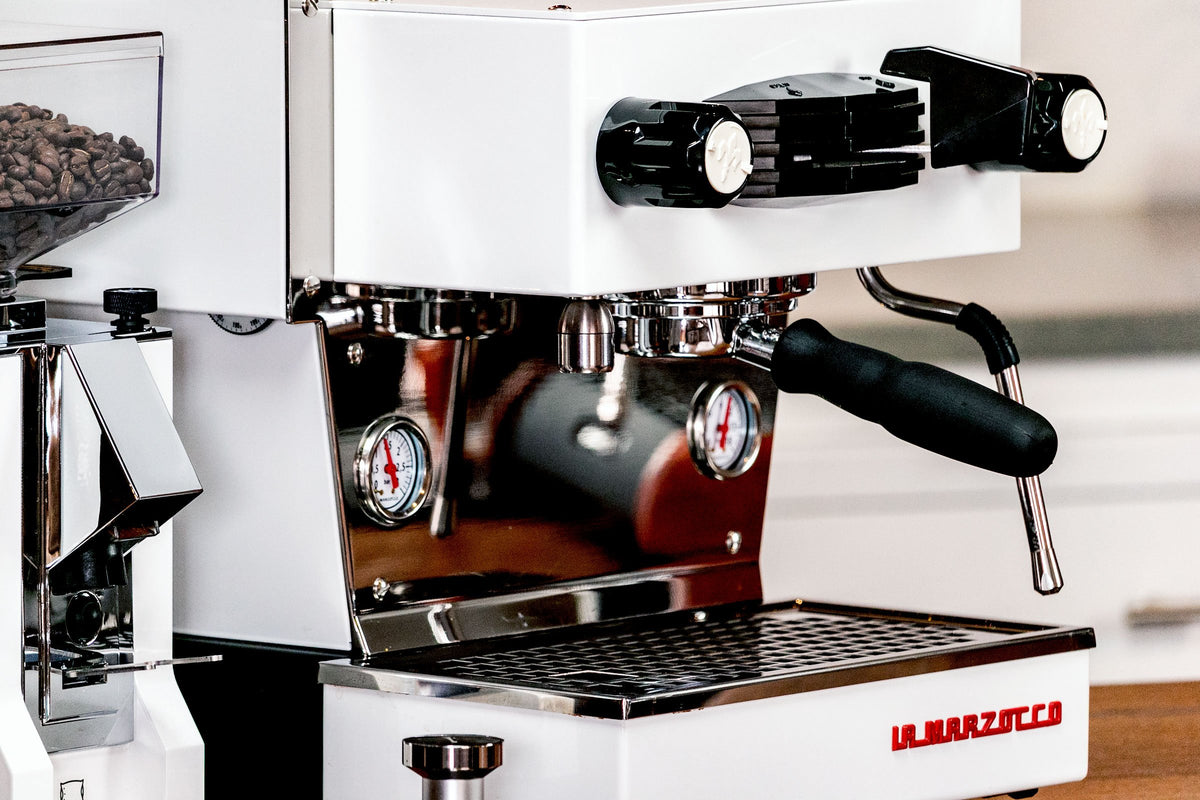 La Marzocco Bottomless Portafilter and Linea Mini, Clive Coffee - Lifestyle