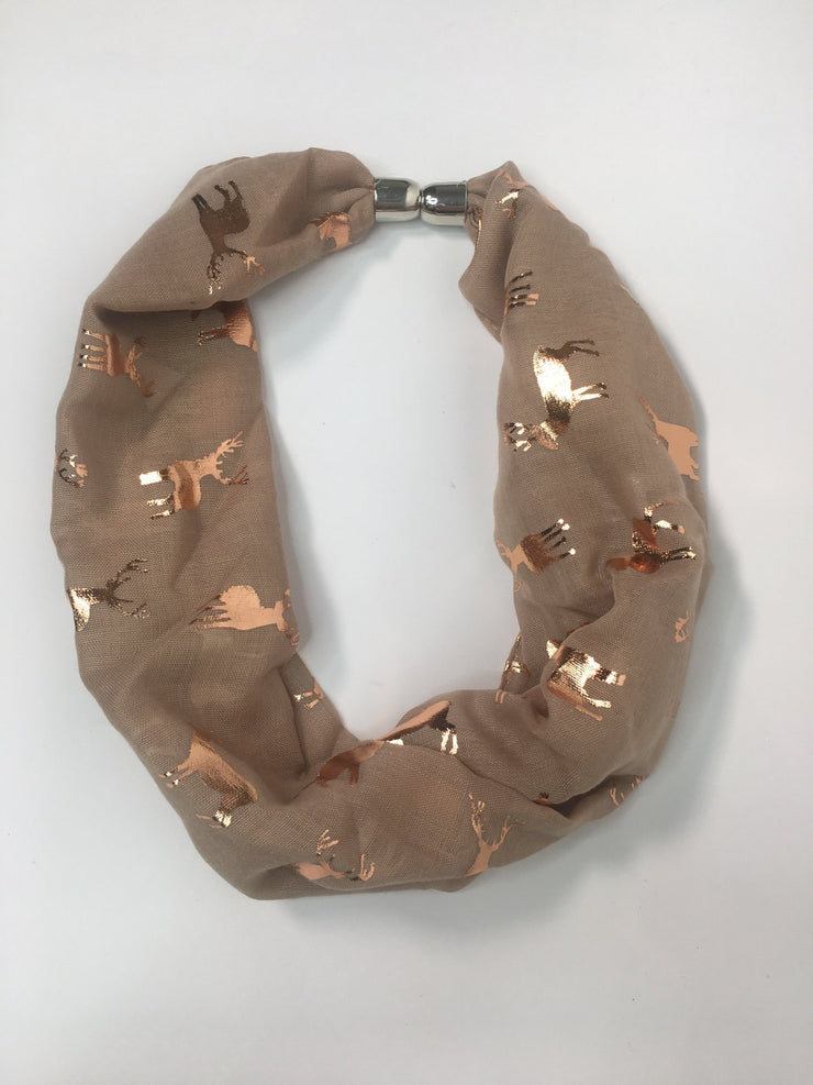 Stag design magnetic scarf