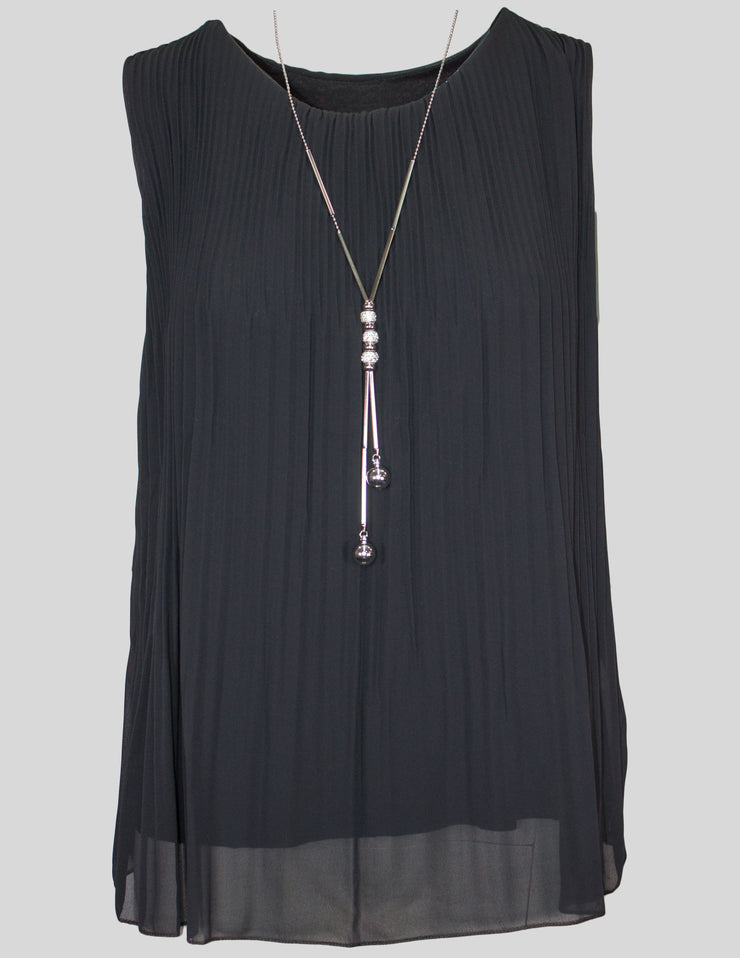 Sleeveless Pleat Top With Necklace