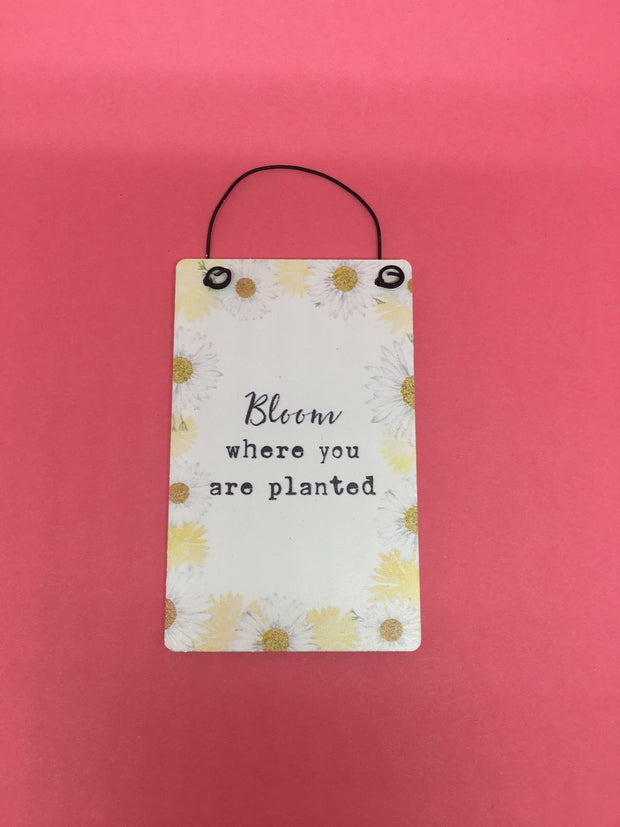 Bloom motto tag