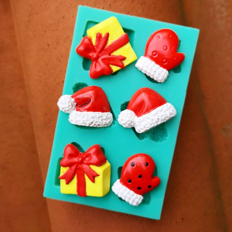 Christmas themed ornament magnets with plaster of paris