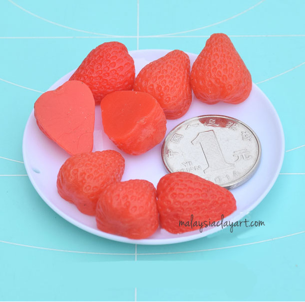 Half Strawberry Cabochon (6 pcs) Dollhouse Fruit Toppings Sweets Deco
