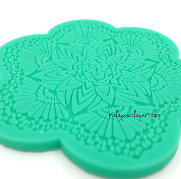 ndant Lace Floral Pattern Silicone Mold