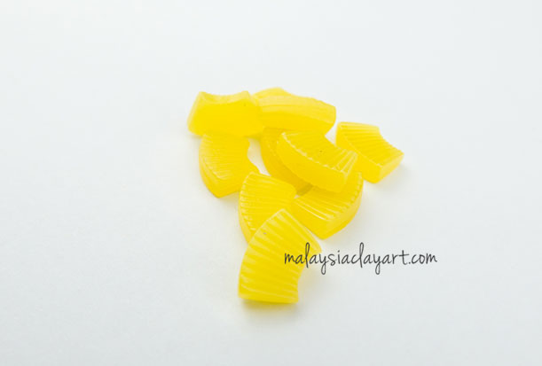 Pineapple Slice Cabochon (10 pcs) Dollhouse Fruit Toppings Sweets Deco