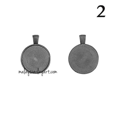 1 x Necklace Pendant Round Frame