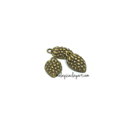 1 x Strawberry Bronze Vintage Zakka Charm