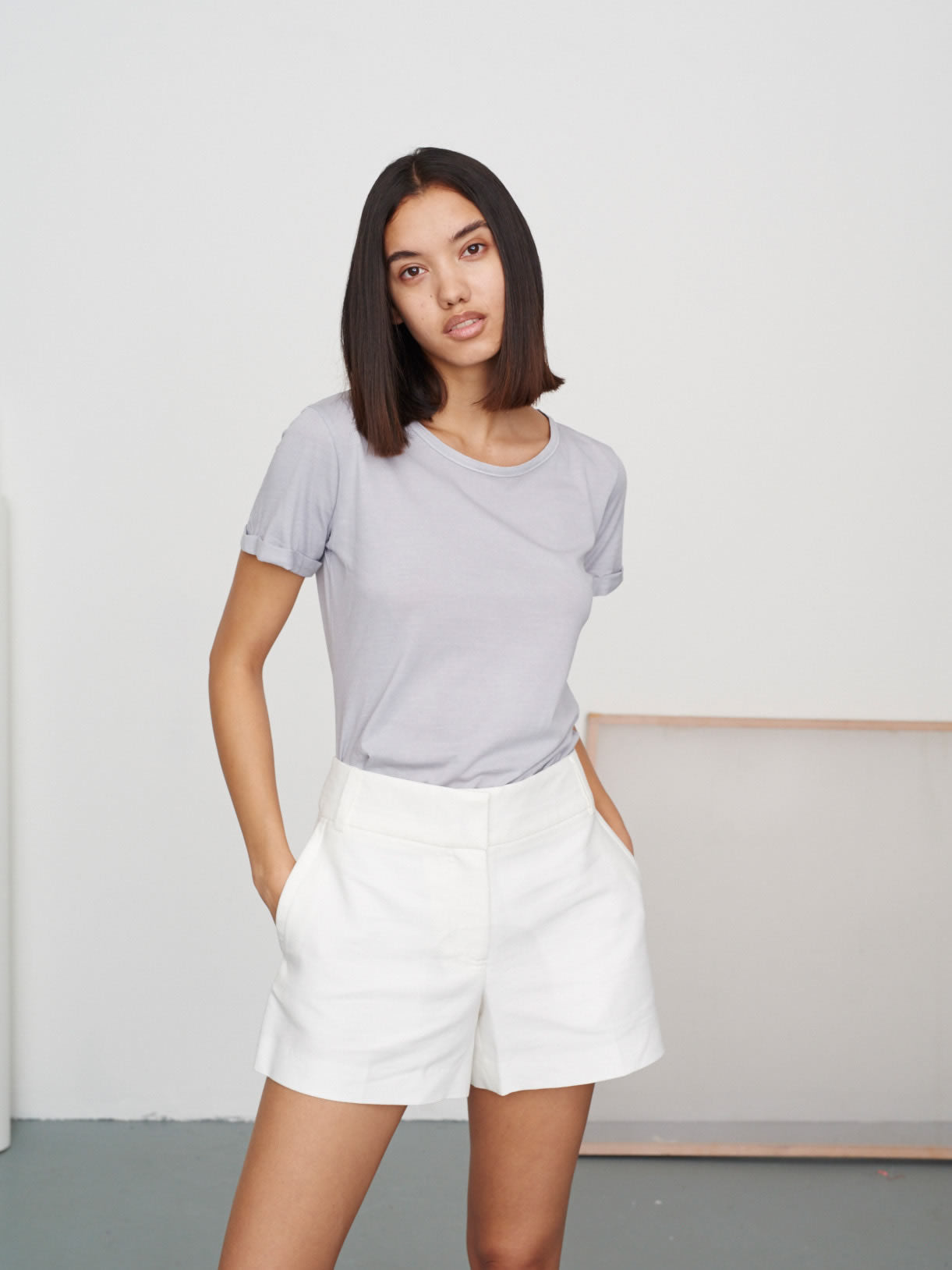Women's Classic Round Neck Tee Sharkskin Grey