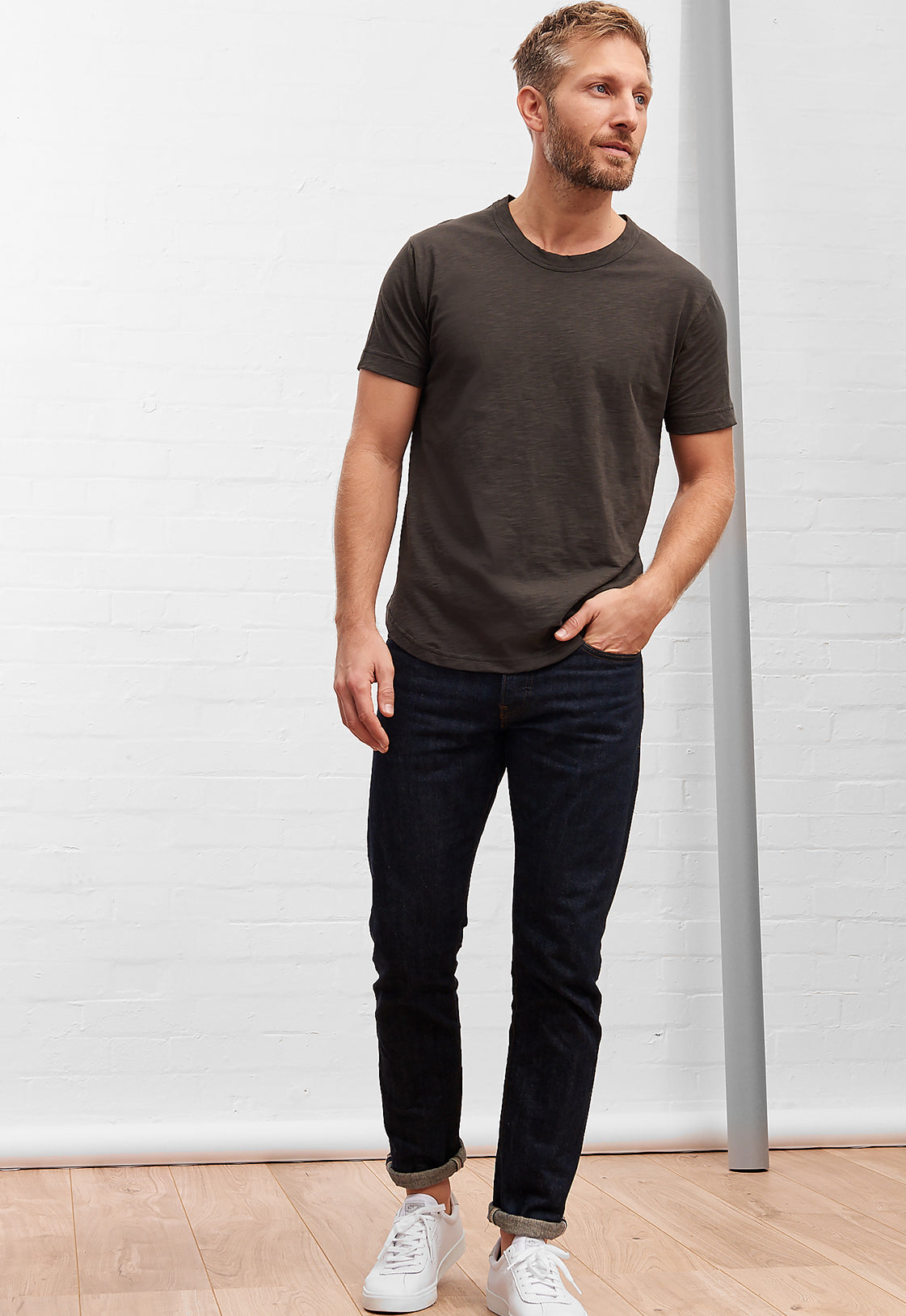 Men's Slub Cotton Curve Hem Tee Granite