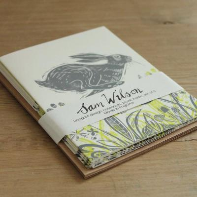 HEADLONG HARE NOTECARD SET