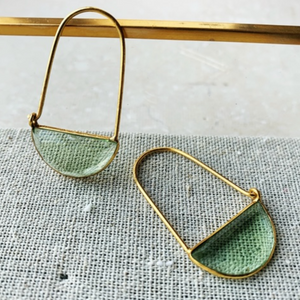 SHYLA MINI MACKE EARRINGS - SOFT GREEN