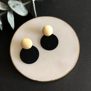 MATTE DISC EARRINGS - BLACK & GOLD