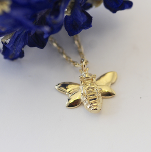 BEE NECKLACE - YELLOW GOLD